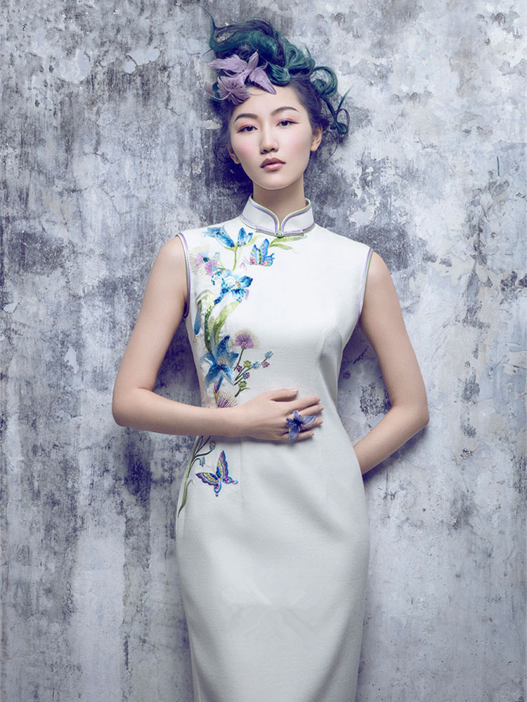 White embroidered cheongsam