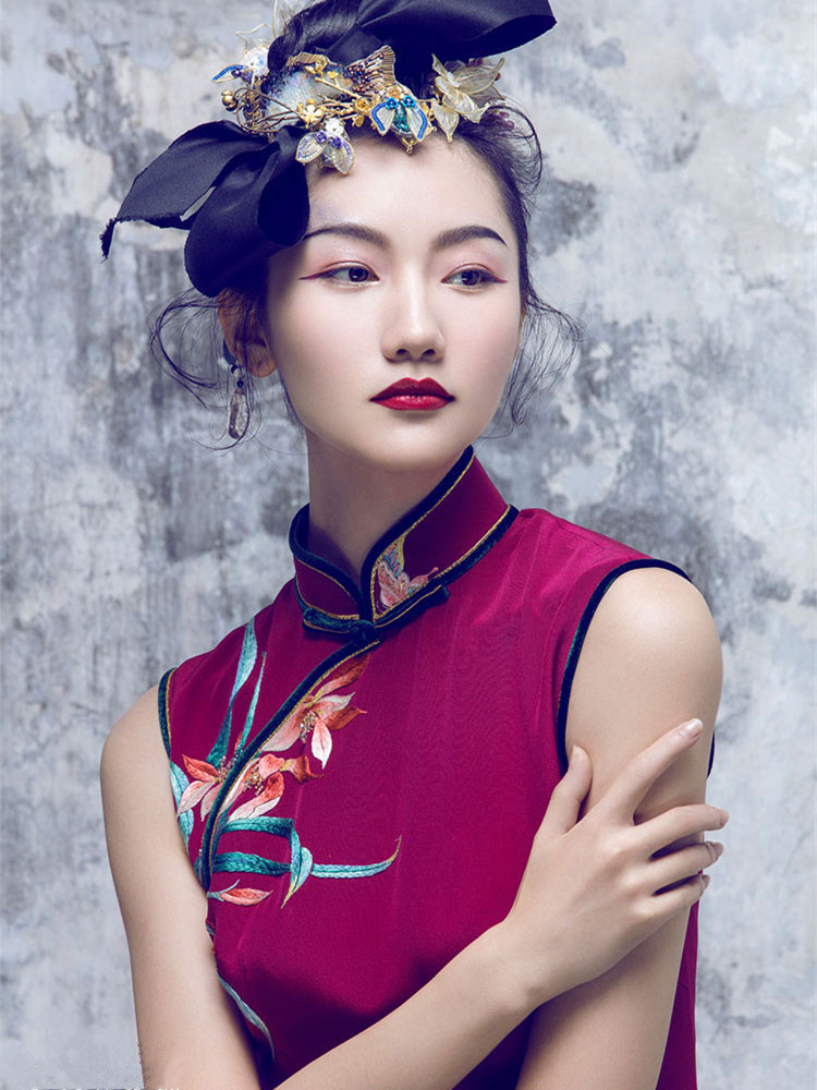 Claret embroidered cheongsam