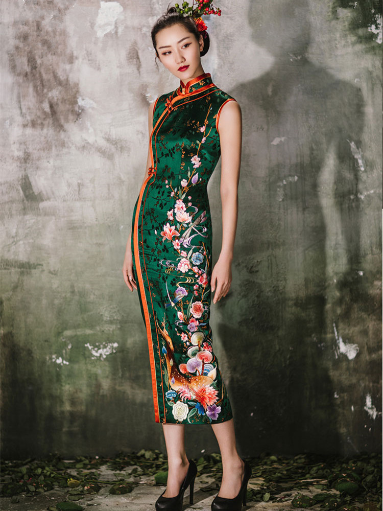 Dark green embroidered cheongsam