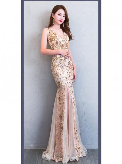 金色点缀礼服裙